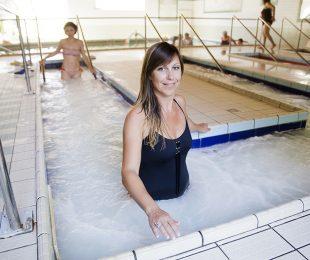 gambe in forma piscina terme salso