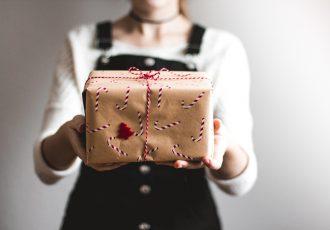 "Regali di Natale ""made in Salsomaggiore"" (Ph. by Kira auf der Heide on Unsplash)"